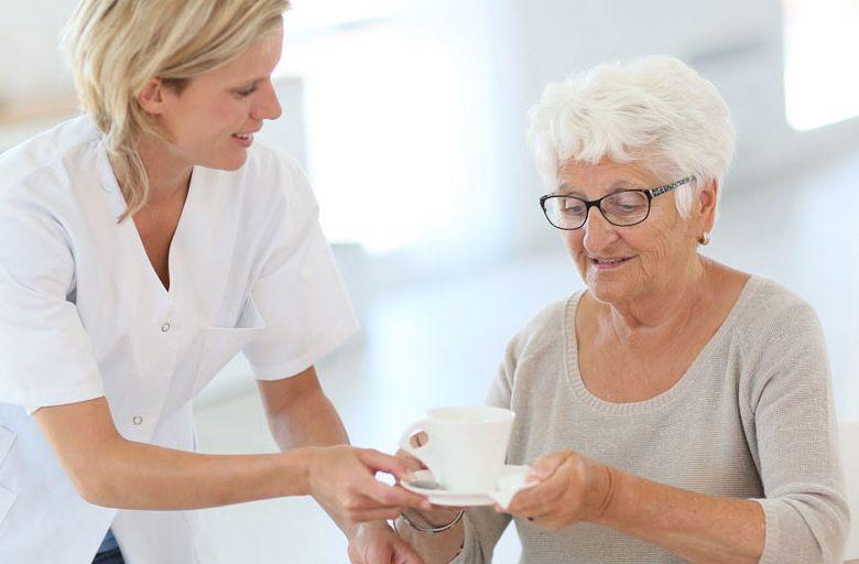 Работа в Англия/ Позиция: Асистенти за гледане на възрастни хора в частни домове