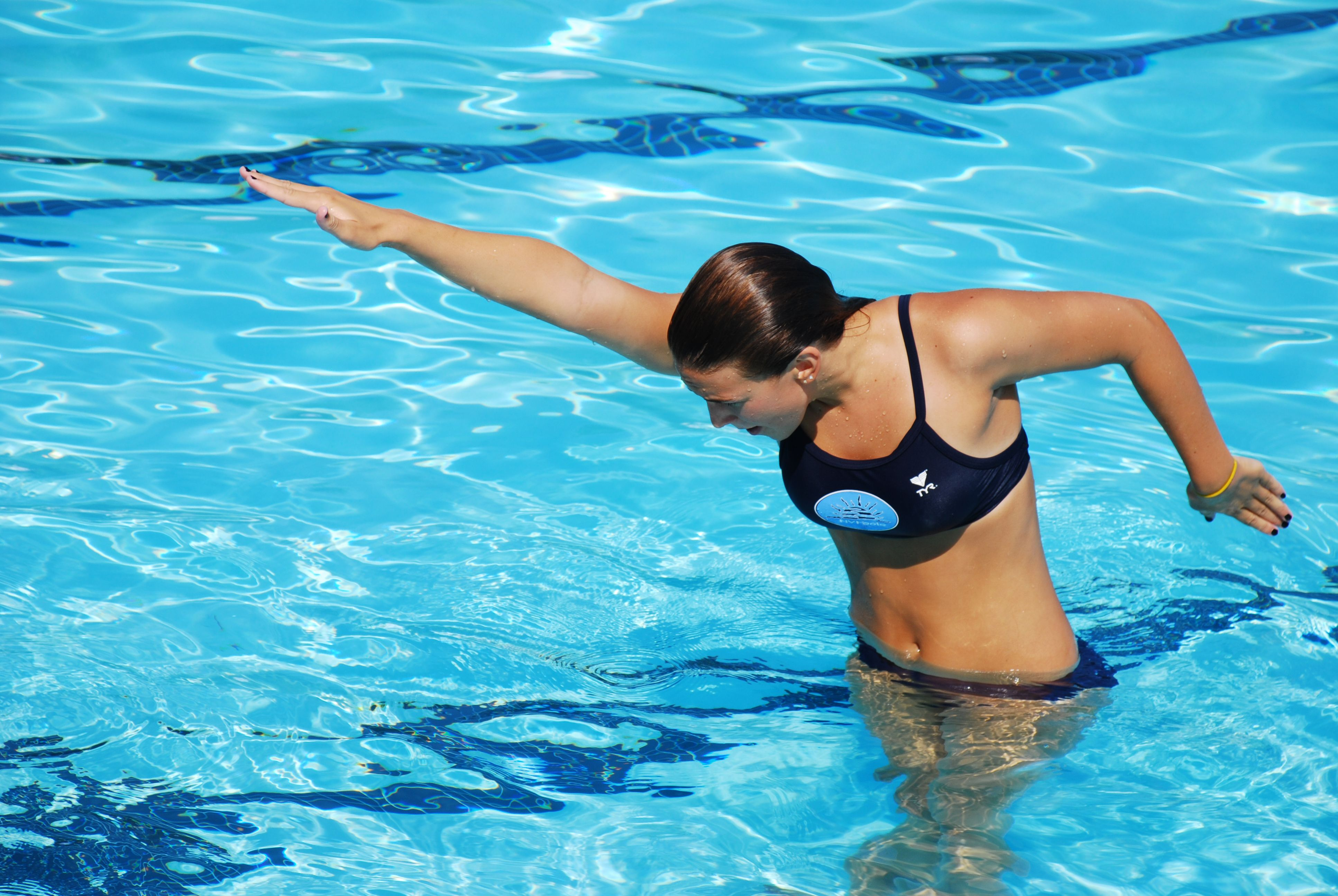 Работа в Кувейт/ Позиция: Инструкторки по плуване